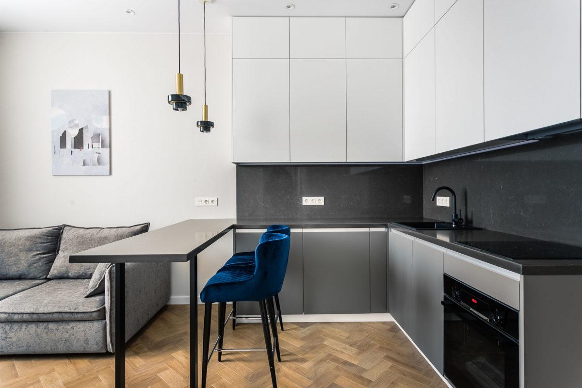Кухня с матовыми фасадамиКухня с матовыми фасадами
